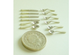 Cream Handle Cutlery Set