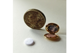 Oval Powder Compact