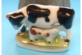 China Cow and Calf Ornament (Black Cow and Brown Calf)