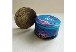 12th Scale Roses Tin